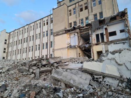 Budynek poddawany rozbiórce 3